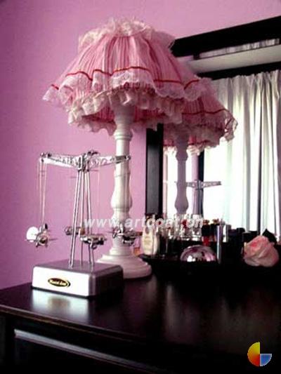 粉色欧式台灯
