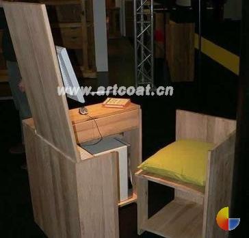 超省空间的木制电脑桌